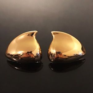 ✨Gorgeous VTG Signed Liz Claiborne Gold Earrings